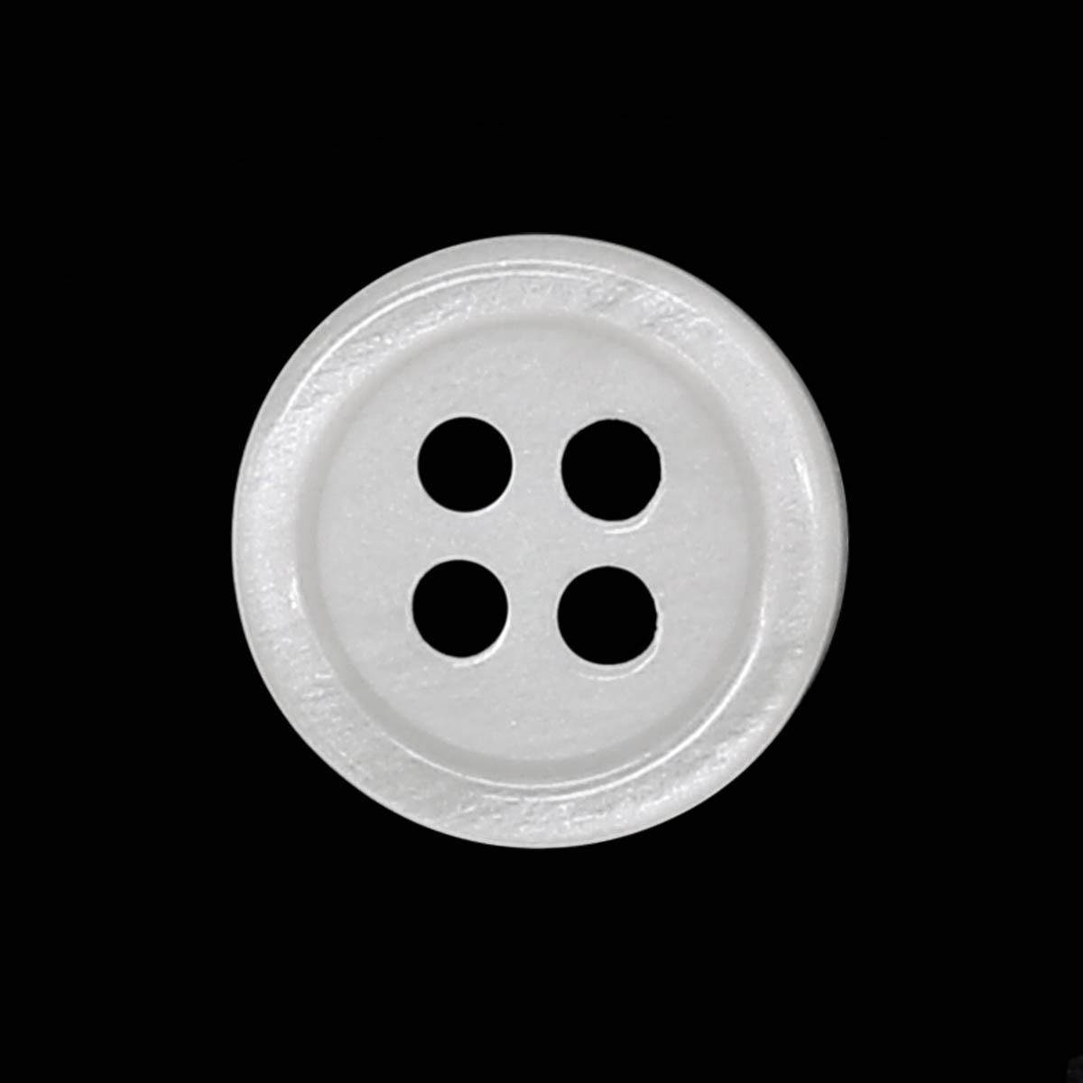 35483/4 18 (3512) Пуговица 4прокола бел.глянц.полиэстер