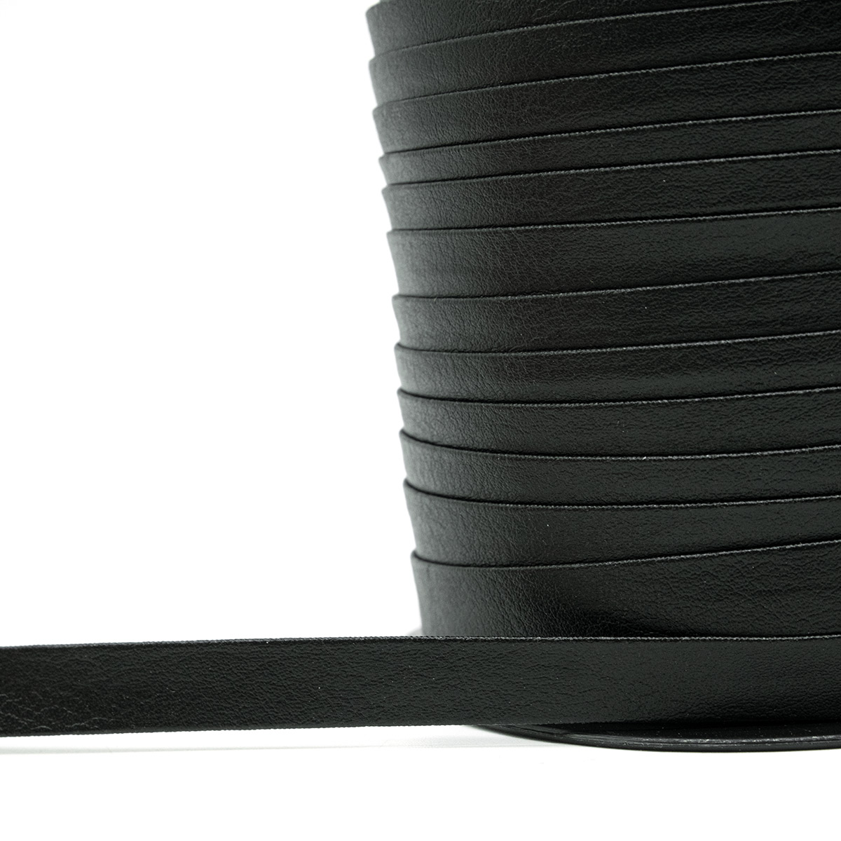 ГТБЛ Тесьма(бейка) кожзам, 1см*45 м, черный