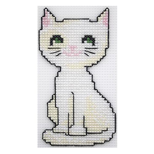 П-0014 Набор для вышивания на пластиковой канве Hobby & Pro Kids 'Белый кот', 6,5*13,5 см