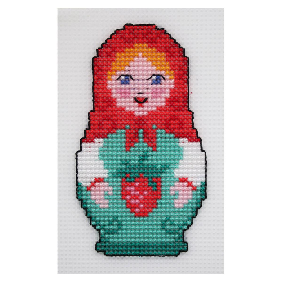 П-0010 Набор для вышивания на пластиковой канве Hobby & Pro Kids 'Матрешка с клубникой', 7,5*13 см