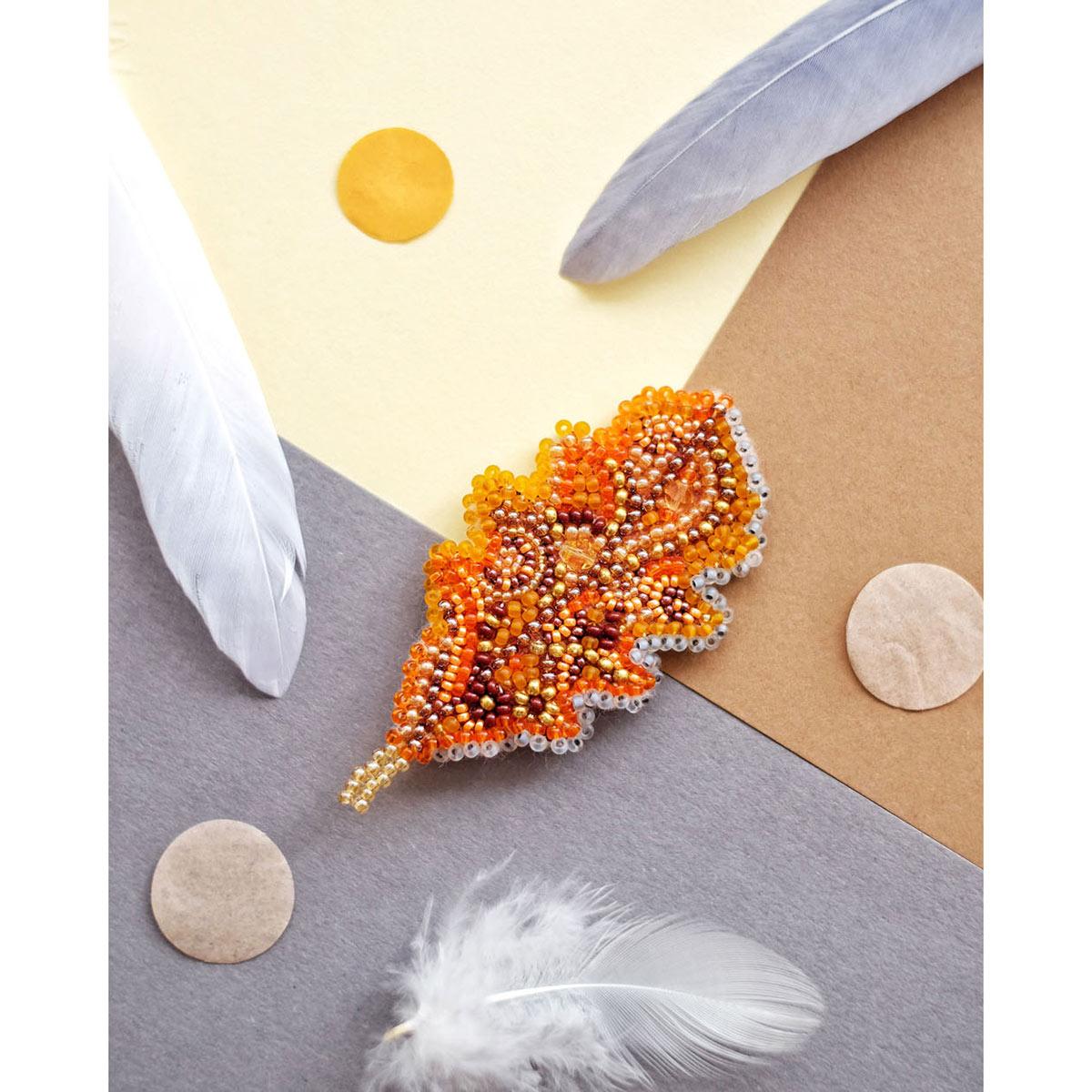 АД-017 Набор для вышивки бисером украшения на натур. художественном холсте Паттернхолст 'Дубовый листочек'4*6,7см