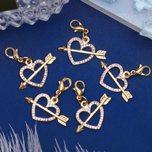 1353770 Шармик 'Сердечко амура', цвет белый в золоте упак/5шт