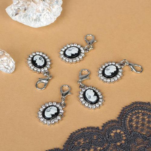 2539429 Шармик 'Камея', цвет черно-белый в серебре упак/5шт