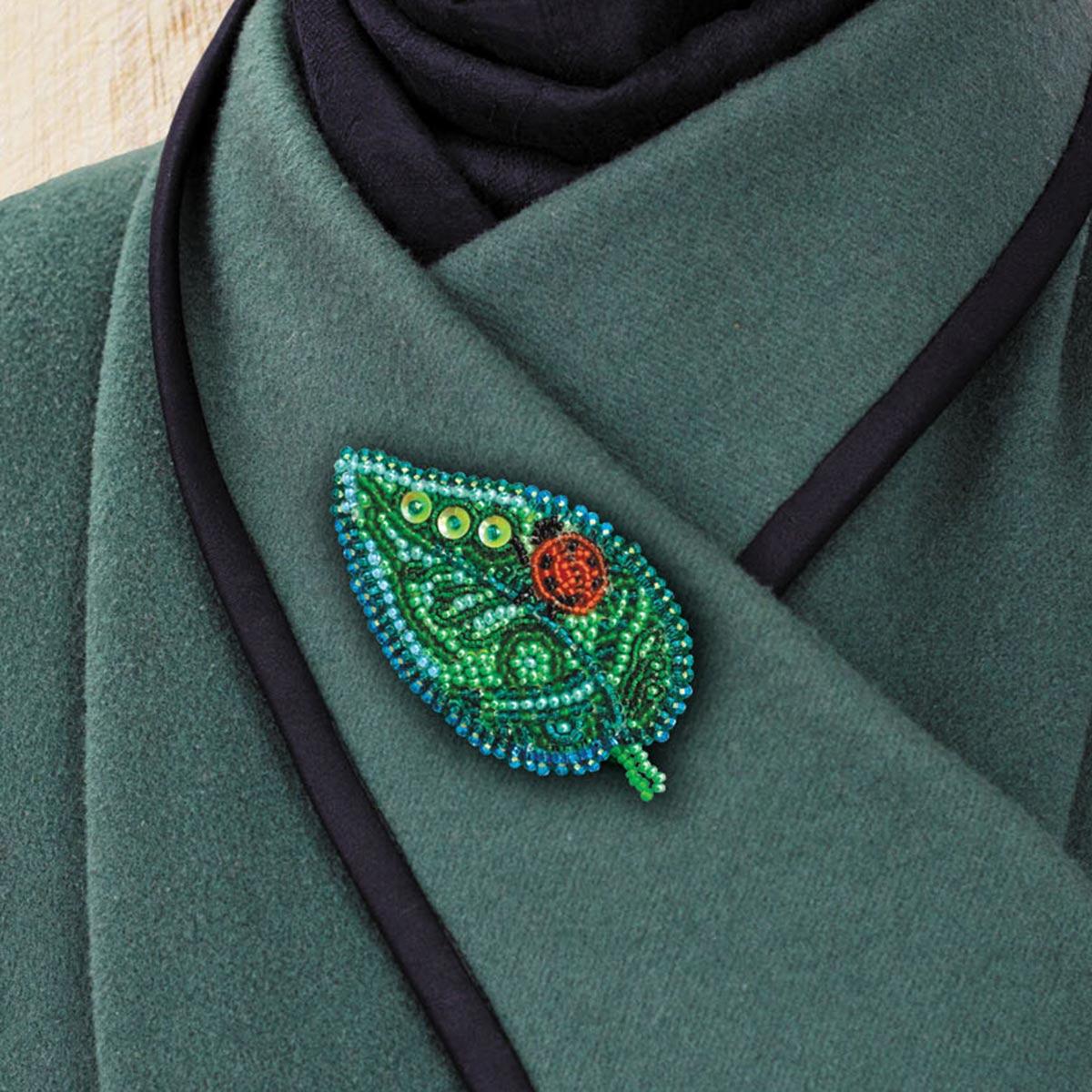 АД-019 Набор для вышивки бисером украшения на натур. художественном холсте Паттернхолст 'Маленькая гостья'6,4*4,7см