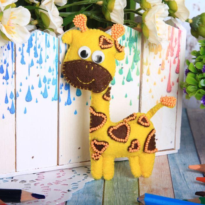 2391200 Набор для создания игрушки из фетра 'Жираф'