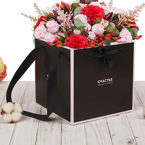 2955331 Пакет–коробка с лентами 'Счастье рядом с тобой', 39*36 см
