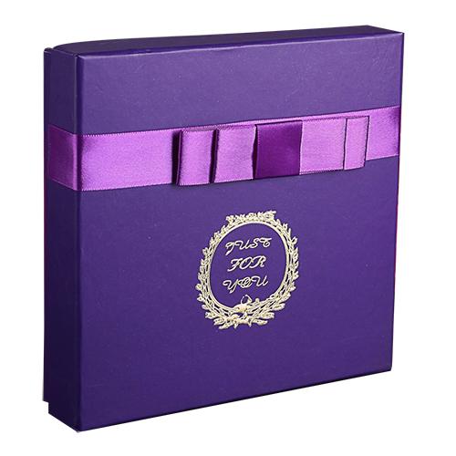 2850929 Коробка подарочная фиолет 17*17*4 см