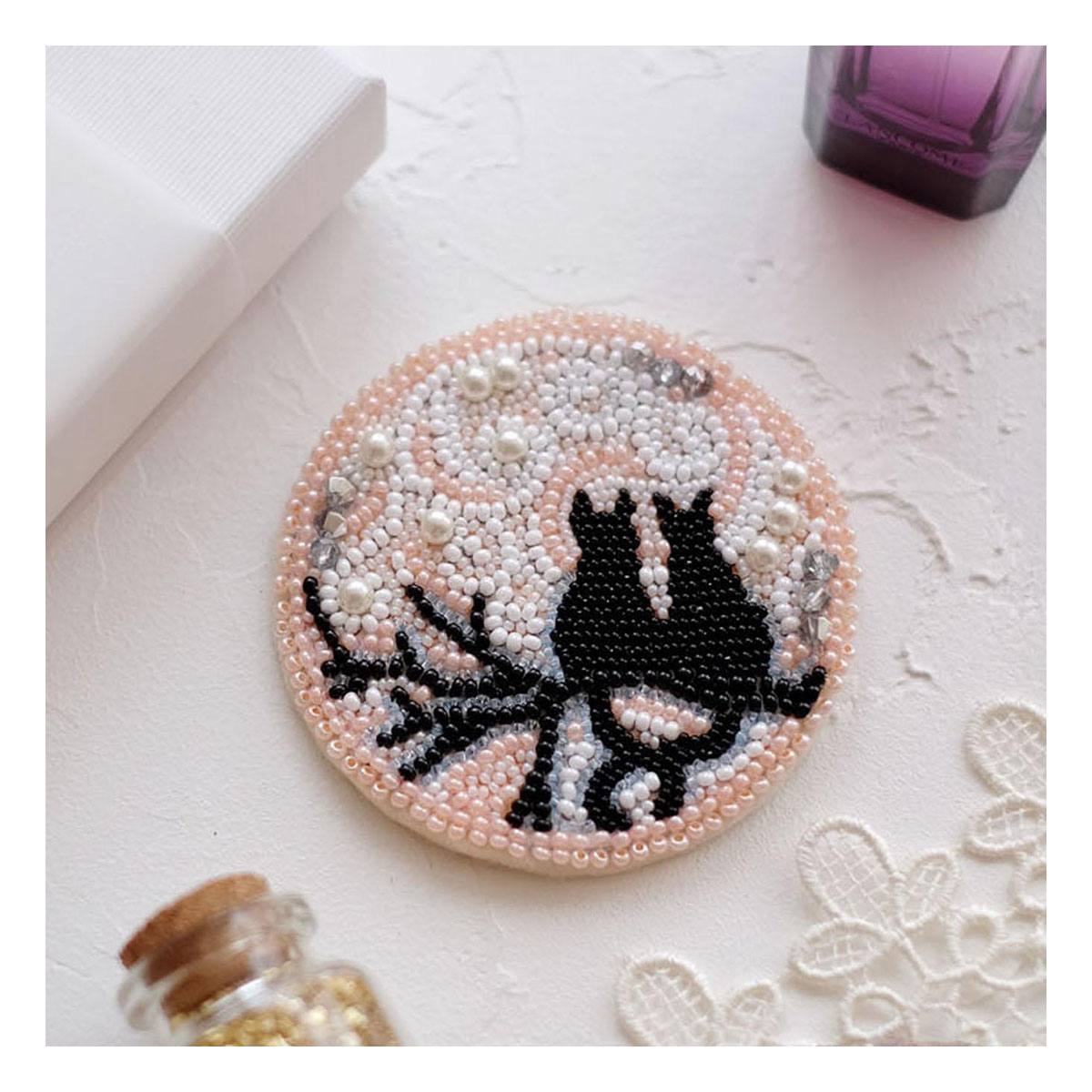 АД-039 Набор для вышивки бисером украшения на натур. художественном холсте 'Лунное свидание'7,0*7,0см