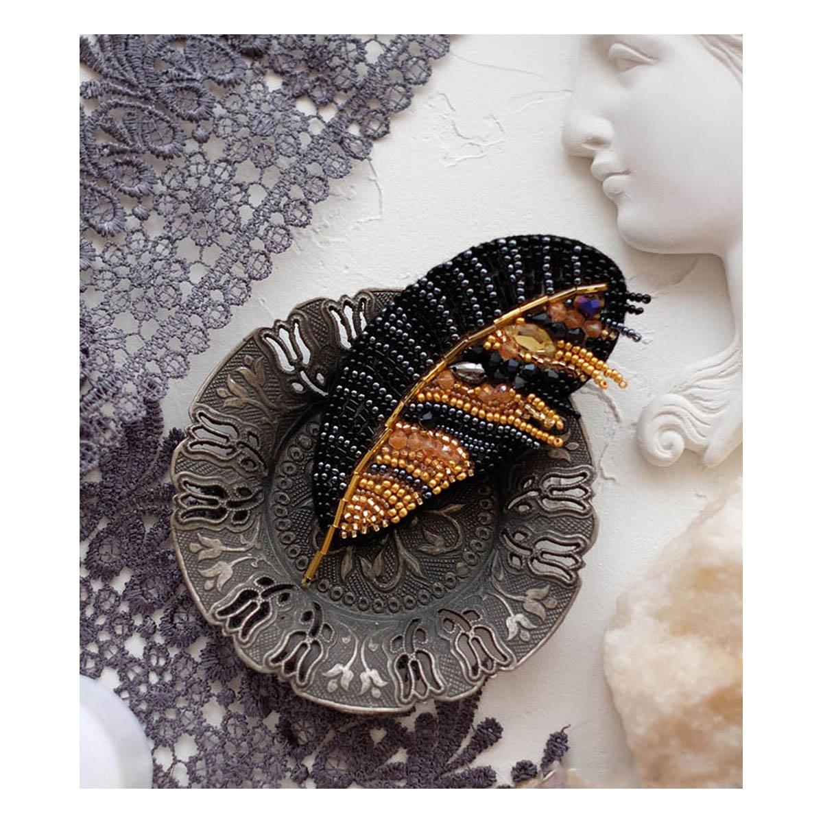 АД-040 Набор для вышивки бисером украшения на натур. художественном холсте 'Перо'6,0*8,5см