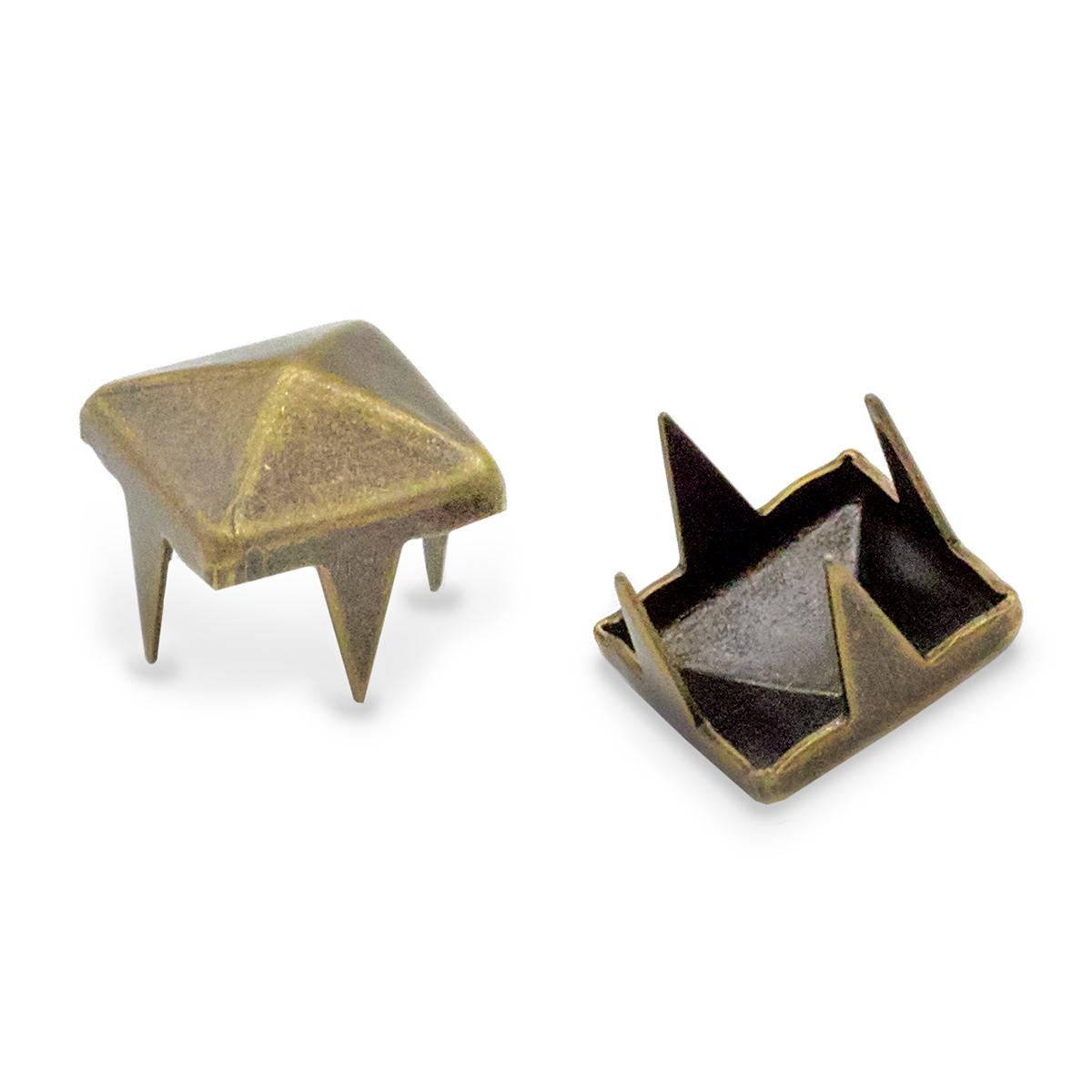 """53924 Украшение 6*6мм на шипах лат. """"пирамидка"""" ГР"""