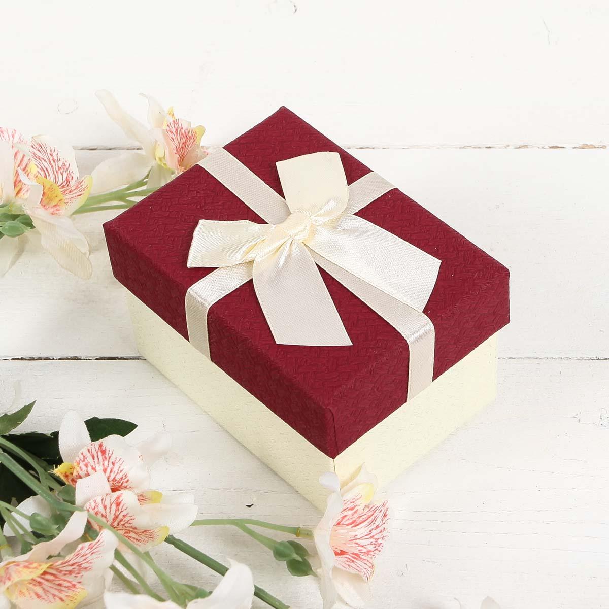 2851016 Коробка подарочная 10*7,5*6 см