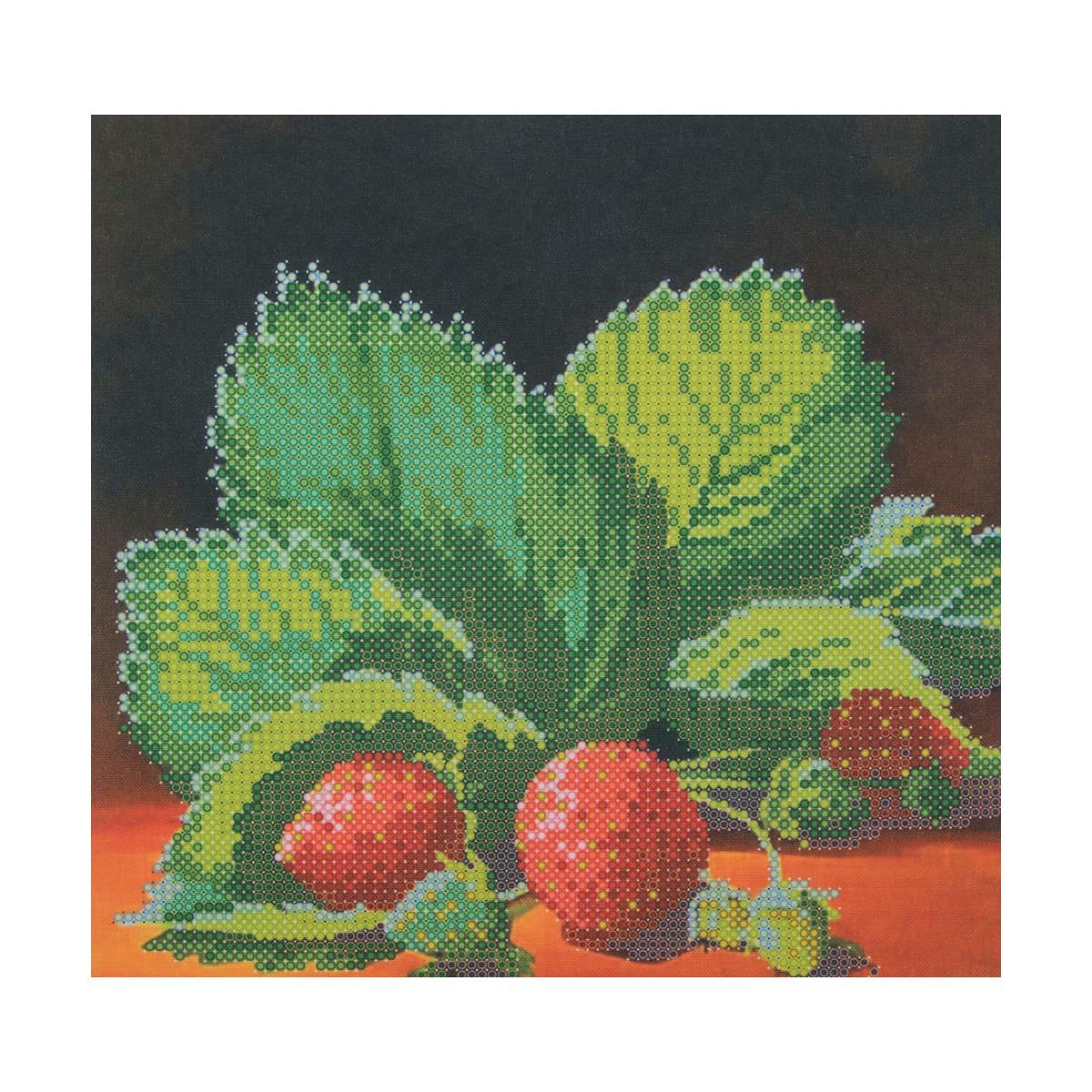 НР-3014 Канва с рисунком для вышивания бисером 'Клубника' Hobby&Pro 20*19см