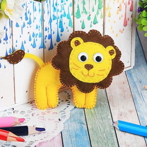 2391195 Набор для создания игрушки из фетра 'Львёнок'