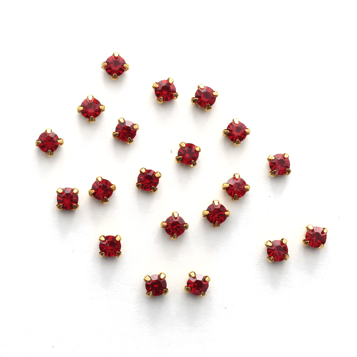 ЗЦ012НН66 Хрустальные стразы в цапах круглые (золото) красный 6*6мм, 20шт/упак Астра