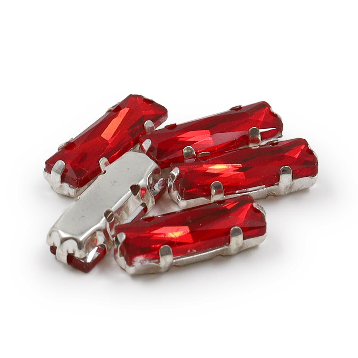ДЦ001НН515 Хрустальные стразы в цапах прямоугольные (серебро) красный 15мм, 5шт/упак Астра