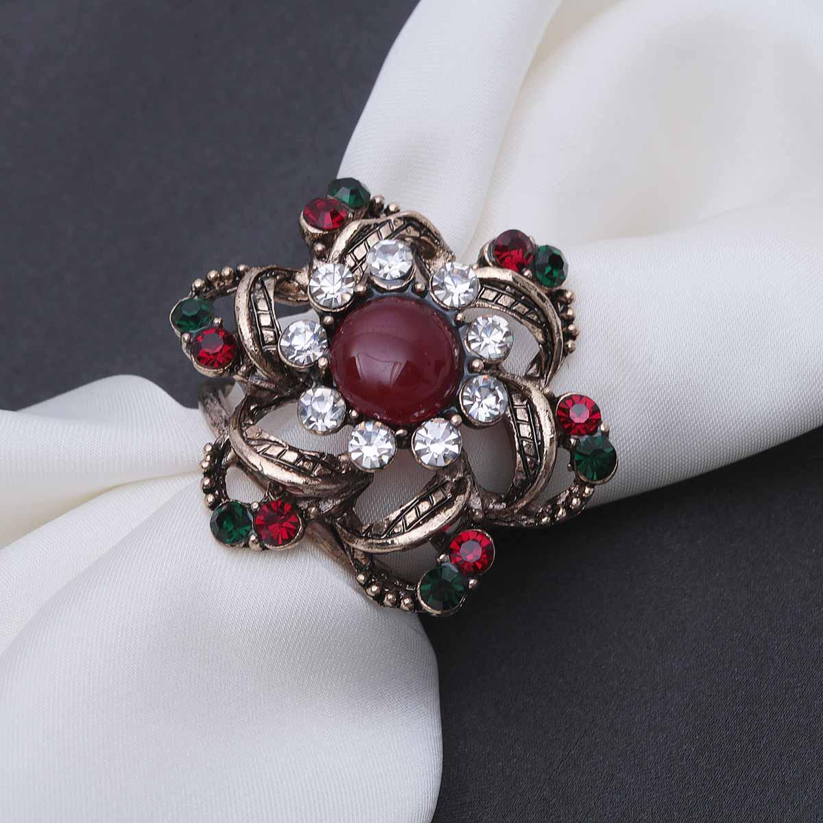 2522029 Кольцо для платка 'Цветок рубиновый', разноцветное в золоте
