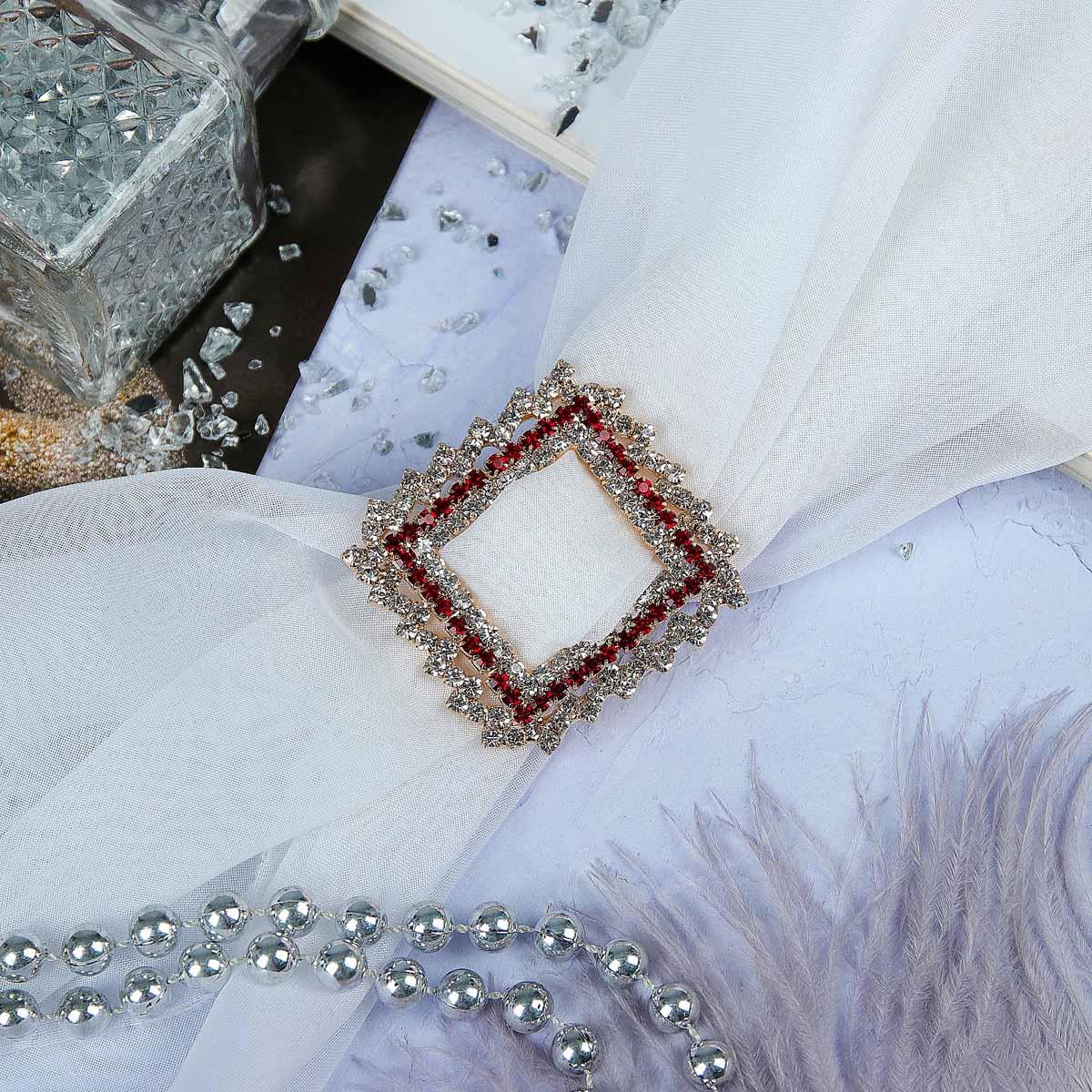 3714502 Пряжка для платка 'Прямоугольник', цвет красно-белый в золоте