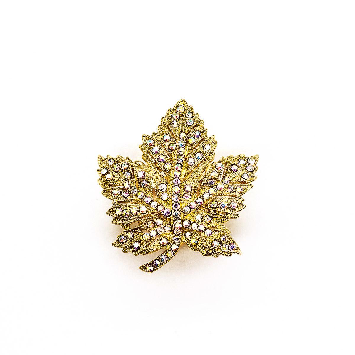4687499 Зажим для платка 'Лист', цвет радужный в золоте