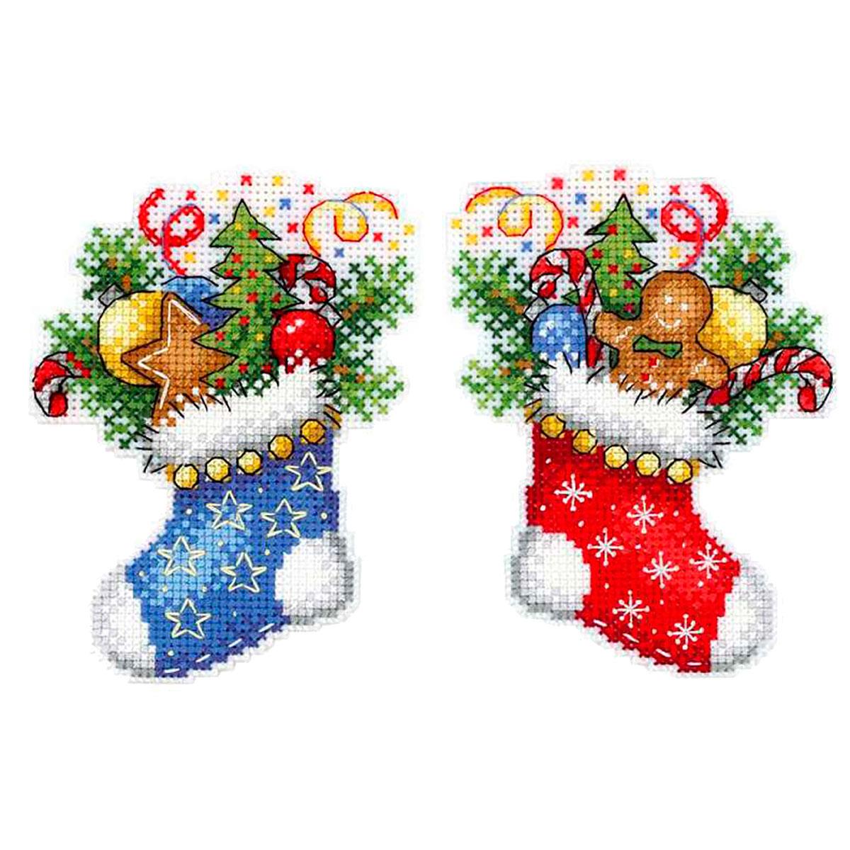 Р-496 Набор для вышивания на пластиковой канве МП Студия 'Новогодний носок'12*9см