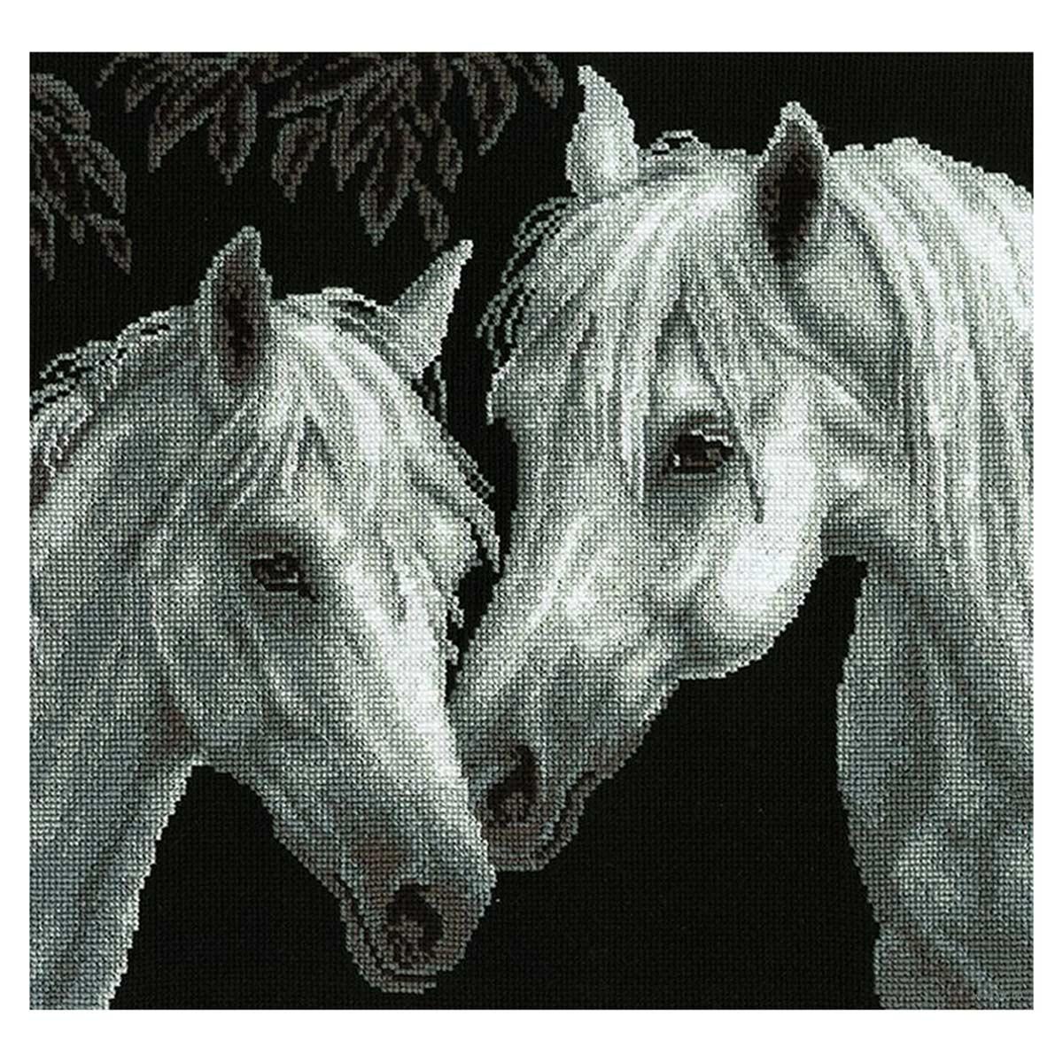 687 Набор для вышивания Hobby&Pro 'Белые кони', 29*27 см
