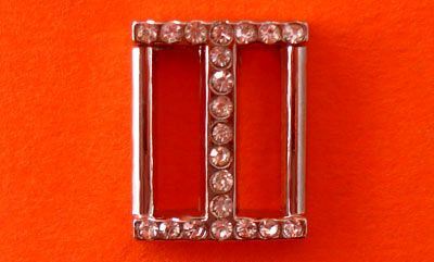Г13017 Пряжка никель+страз 15мм