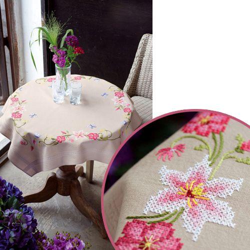 0021750-PN Скатерть Vervaco 'Розовые цветы' 80x80см