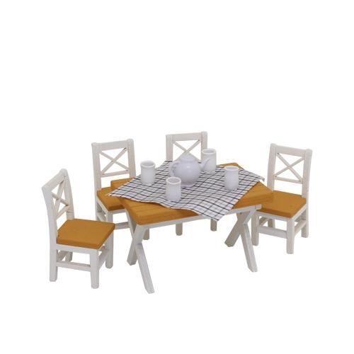 1181010 Набор для изготовления миниатюры: обеденный стол 4*6,6*4,5см и 4 стула 4,8*2,2*2,3см