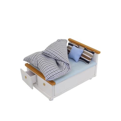 1181011 Набор для изготовления миниатюры: спальная кровать 6,2*8,8*10,8см