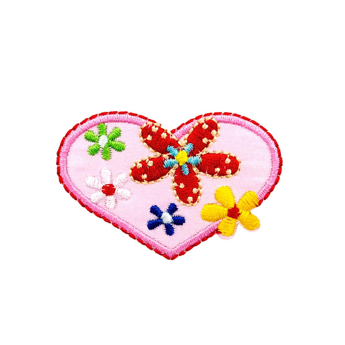BA1043 Термоаппликация 'Сердце в цветочек', 5*4,5см