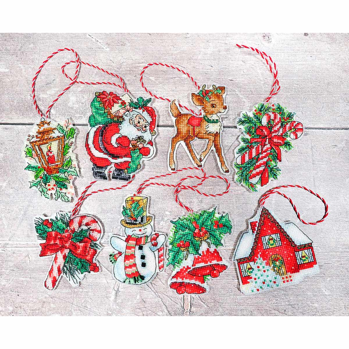 Leti966 Набор для вышивания LetiStitch 'Рождественские игрушки' 10*9см