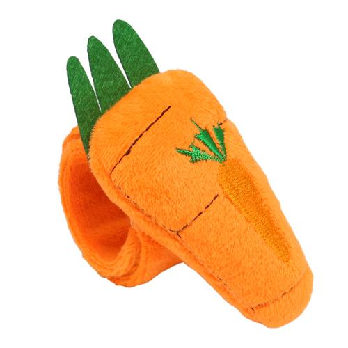 3604523 Игольница на браслете морковка 23*4,5*3см оранжевый