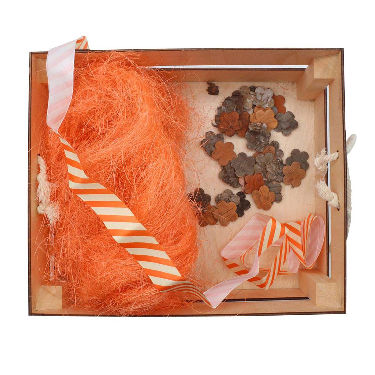 Деревянный ящик для оформления подарка с наполнением №5, 25*30 см